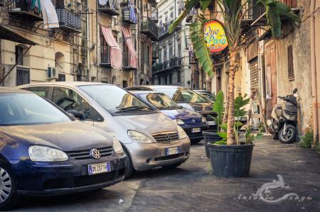 Palermo, Sicilia, Sicily, calle, car, coche, moto, motorcycle, pub, scape, street