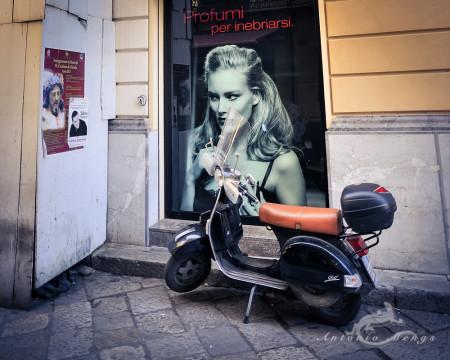 Palermo, Sicilia, Sicily, afiche, calle, cartel, moto, motorcycle, poster, street