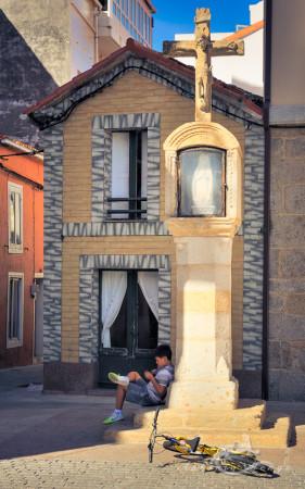 Galicia, bicicleta, bicycle, boy, cross, cruceiro, cruz, niño, pueblo, village