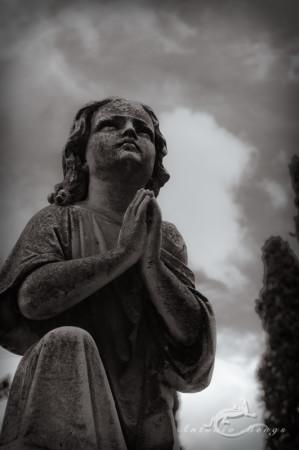 Cementerio, Madrid, boy, cielo, escultura, funeral, funeraria, niño, oración, orante, pray, prayer, sculpture, sky