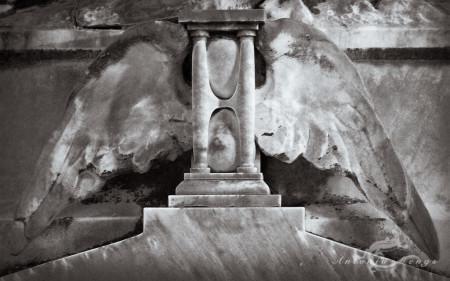 Alcoy, ala, cementerio, cemetery, clepsidra, clepsydra, clock, escultura, reloj, sculpture, tiempo, time, wing