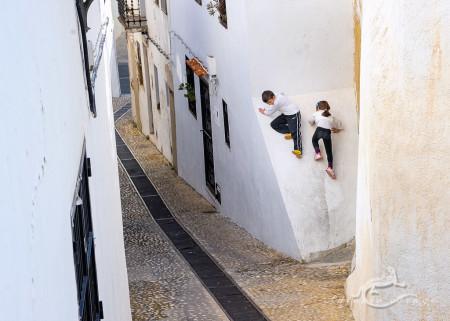 Alacant, Alicante, Altea, architecture, arquitectura, boy, calle, children, girl, mediterranean, mediterraneo, niña, niño, niños, popular, pueblo, street, village