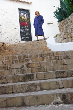 Alacant, Alicante, Altea, architecture, arquitectura, escalera, mediterranean, mediterraneo, mujer, popular, pueblo, stair, village, woman