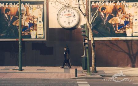 Madrid, ad, anuncio, calle, hombre, man, mujer, street, woman