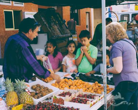 Alacant, Alicante, Calpe, España, Spain, calle, child, fruit, fruta, hombre, market, mercado, mujer, niño, street