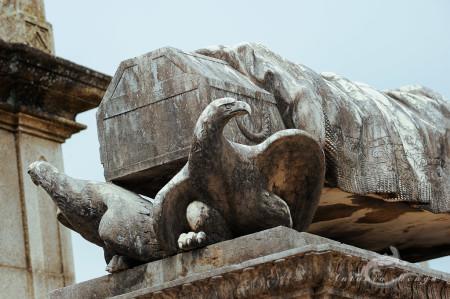 Lapa, Porto, Portugal, cementerio, cemetery, eagel, escultura, sculpture, tomb, tumba, águila
