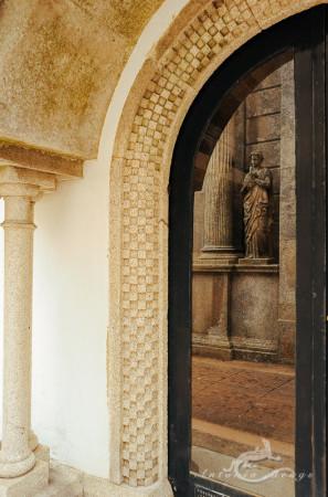 Lapa, Porto, Portugal, cementerio, cemetery, column, columna, escultura, mujer, reflection, reflejo, sculpture, woman