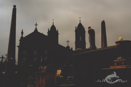 Lapa, Porto, Portugal, cementerio, cemetery, church, dove, escultura, iglesia, obelisco, obelisk, paloma, sculpture, tomb, tumba