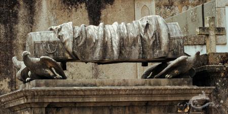 Lapa, Porto, Portugal, cementerio, cemetery, cross, cruz, eagel, escultura, sculpture, tomb, tumba, águila