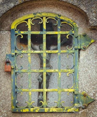 Christ, Cristo, Lapa, Porto, Portugal, cementerio, cemetery, escultura, grid, reja, sculpture